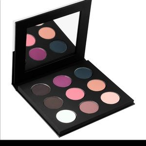 Make up forever 9 artist shadow palette